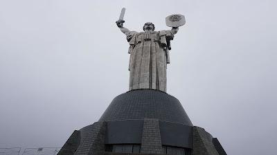 statua della madre patria