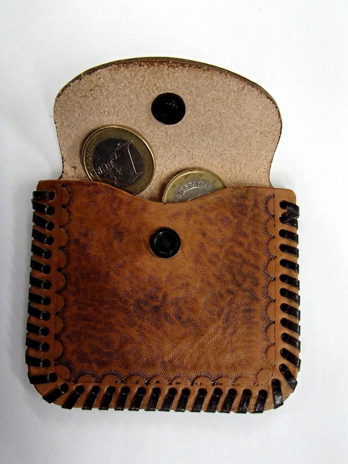 Porte monnaie en cuir vue de face ouvert