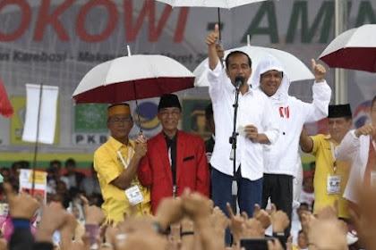 Hujan dan Angin Kencang Buyarkan Kampanye Jokowi di Makassar