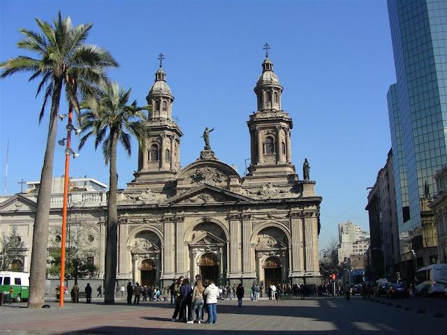 Ponto turístico: Catedral Metropolitana de Santiago no Chile