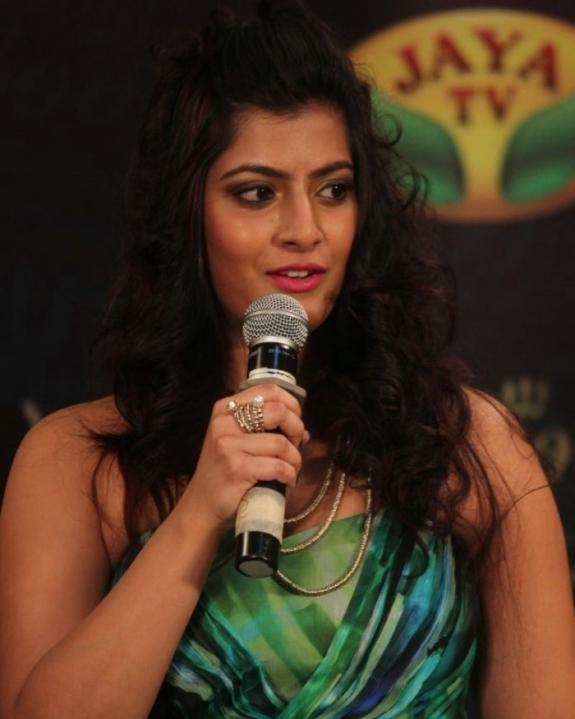 Varalakshmi latest hot stills