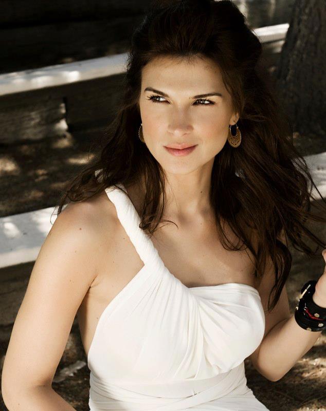 BOMBĂ! Imagini NUD cu Monica Bârladeanu. A renunţat la ...   Monica Barladeanu