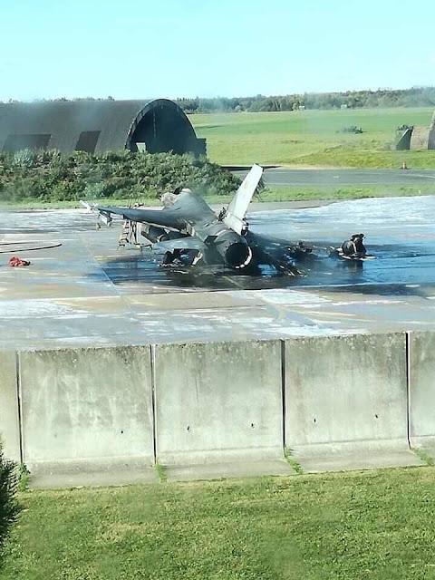 chim sắt F-16 bị nướng thành tro