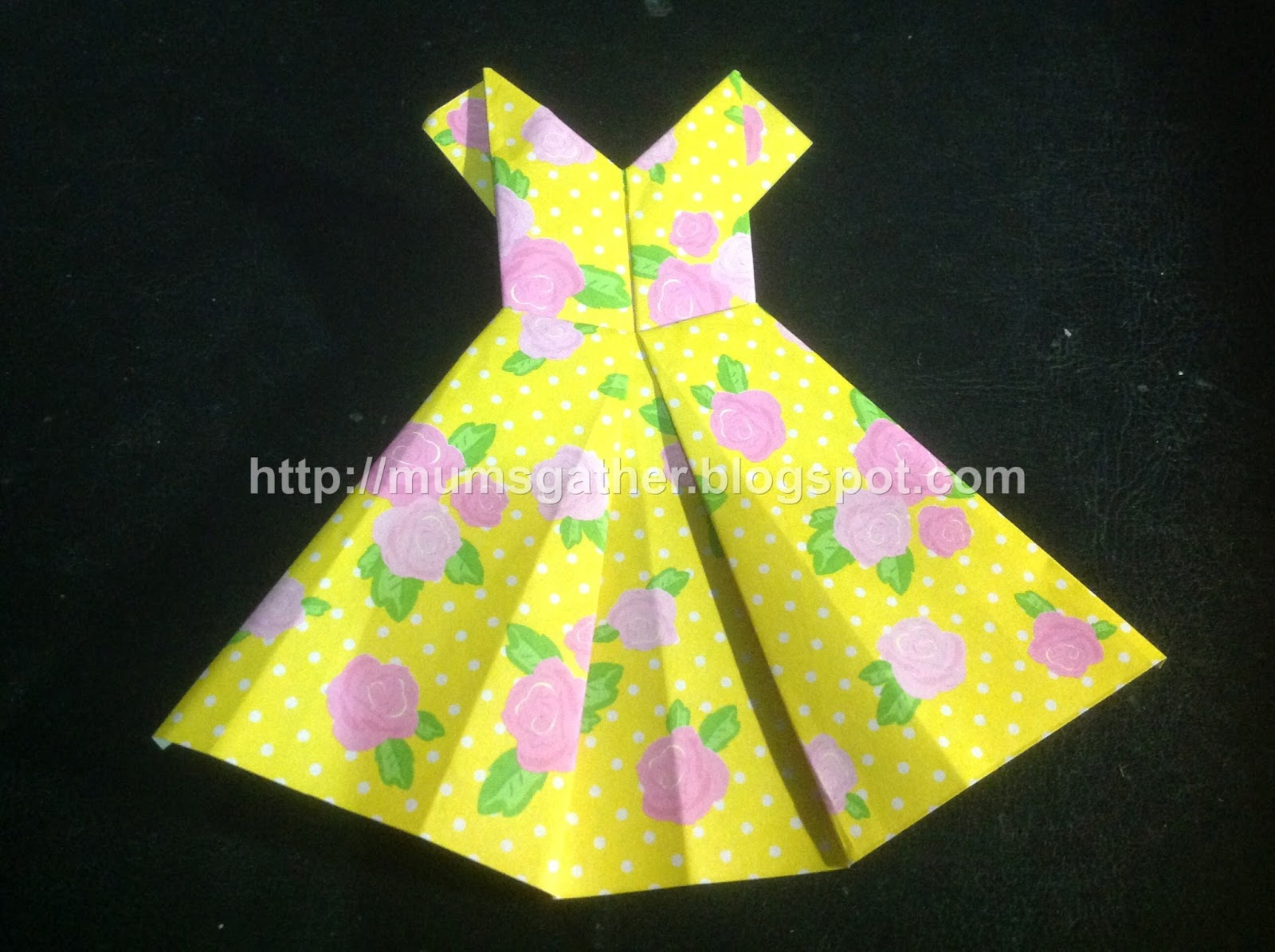 School holiday craft origami dress bookmark parenting times i saw someone make origami dresses previously and they look absolutely adorable i think these little origami dresses make excellent bookmarks or as gifts jeuxipadfo Choice Image