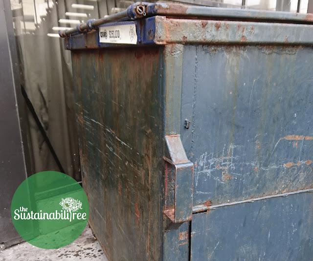A garbage dumpster at uOttawa