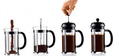 Preparar café en cafetera de émbolo