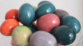 Bojanje jaja sa 100% prirodnim bojama / Dye easter eggs with 100% natural colors