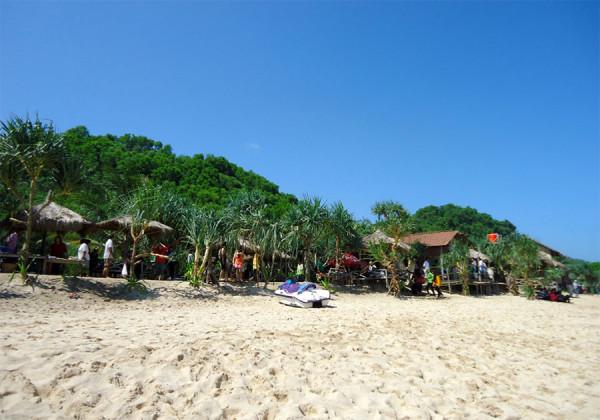 Gazebo di Pantai Indrayanti Jogjakarta