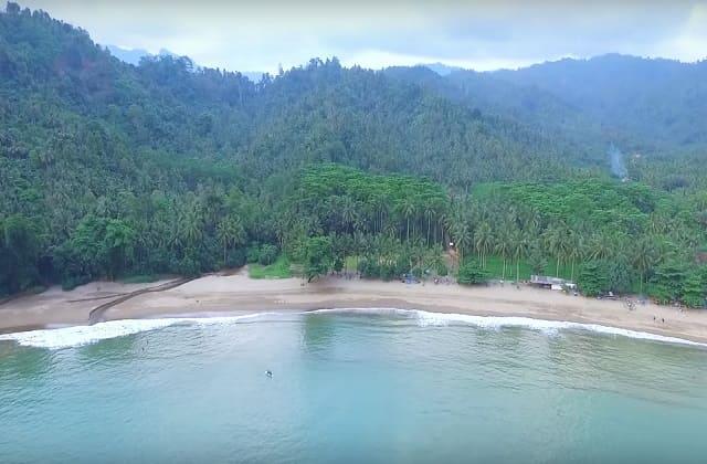 Panorama Memukau di Pantai Wedi Putih Malang, Eloknya Kebangetan
