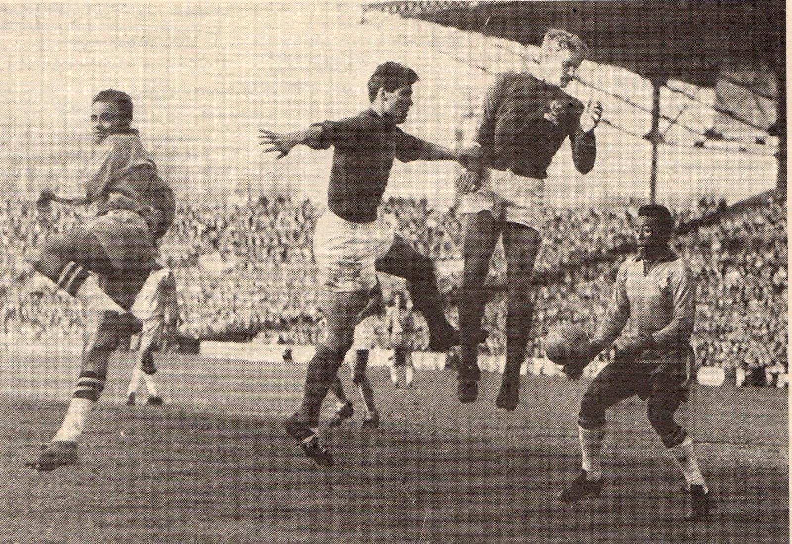 Soccer nostalgia old match photographs part 33a for Histoire du miroir
