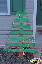 Bee-ing Mommy Diy Pallet Christmas Tree Holiday Decor