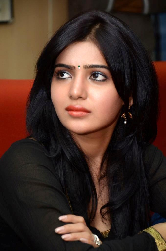 Samantha In Saree: Telugu Cinema: Samantha In Black Dress Photos