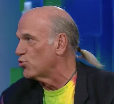 model rambut panjang kakek tua dikucir