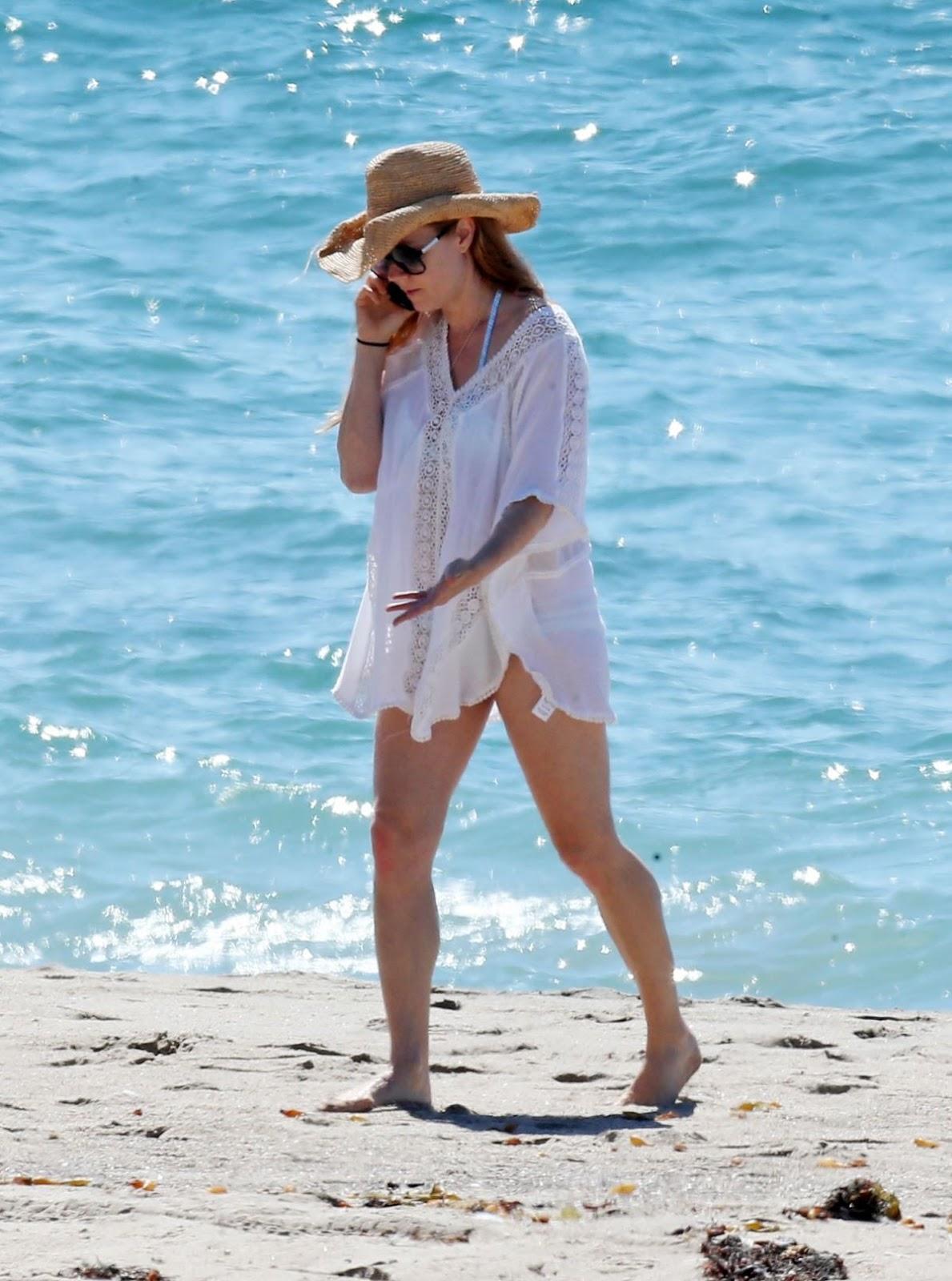 Amy Adams On the Beach 2016