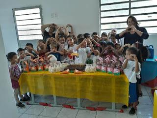 Alunos da Rede Municipal de Jacupiranga recebem ovos de Páscoa e Uniformes escolares