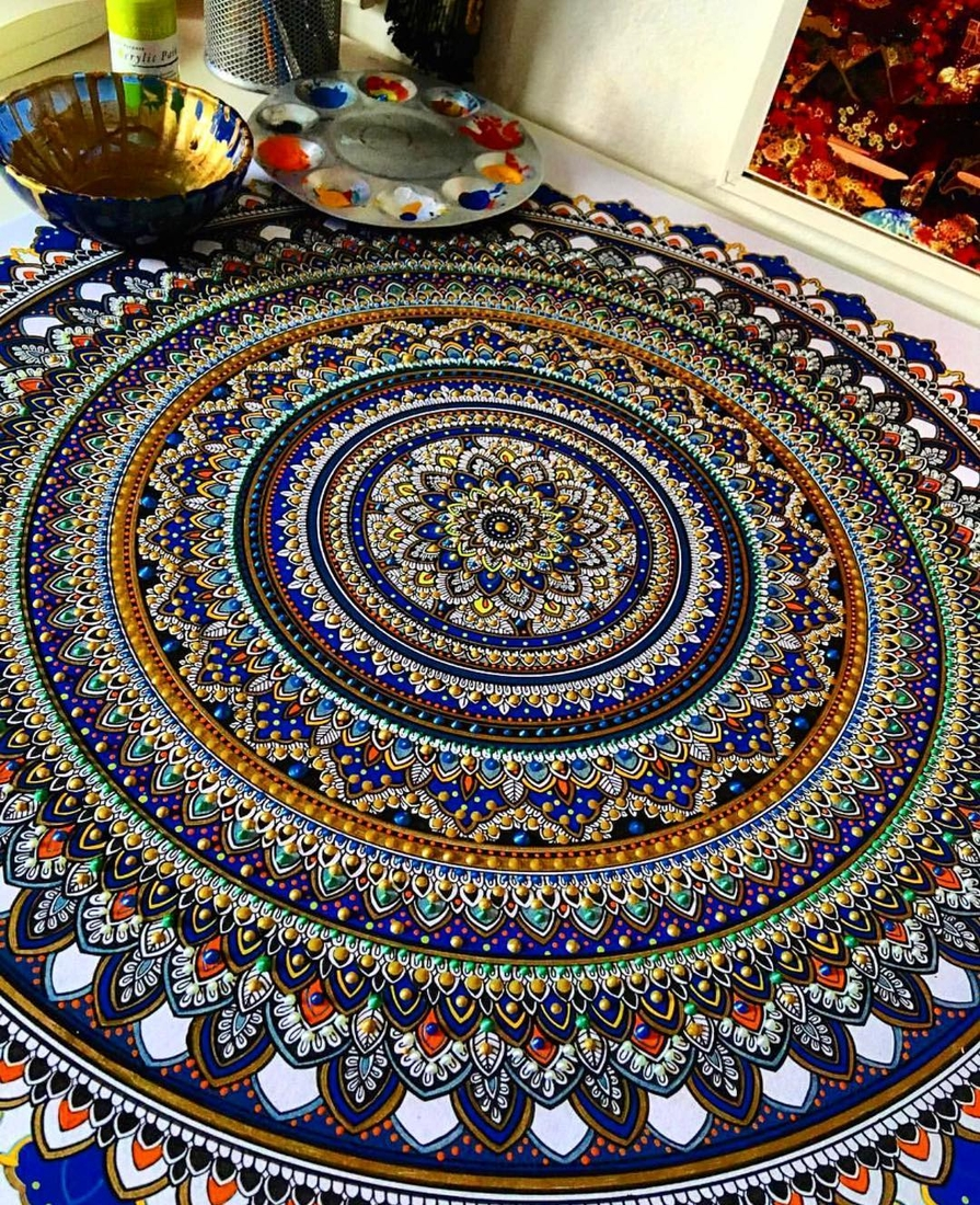 08-Asmahan-Mosleh-Mandala-Drawn-and-then-Painted-with-Color-Themes-www-designstack-co