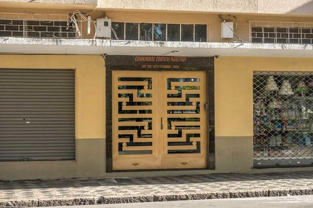 Edifício Marumby - detalhe da porta