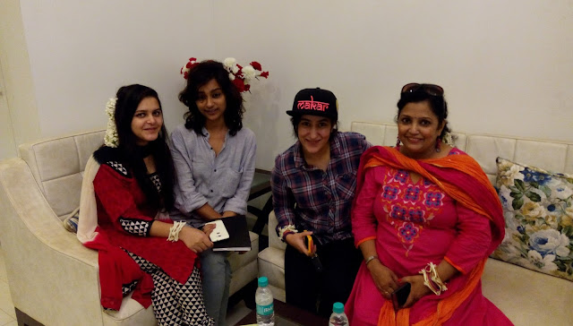 Heena Mahajan, Abha Shrivastav and her Friends