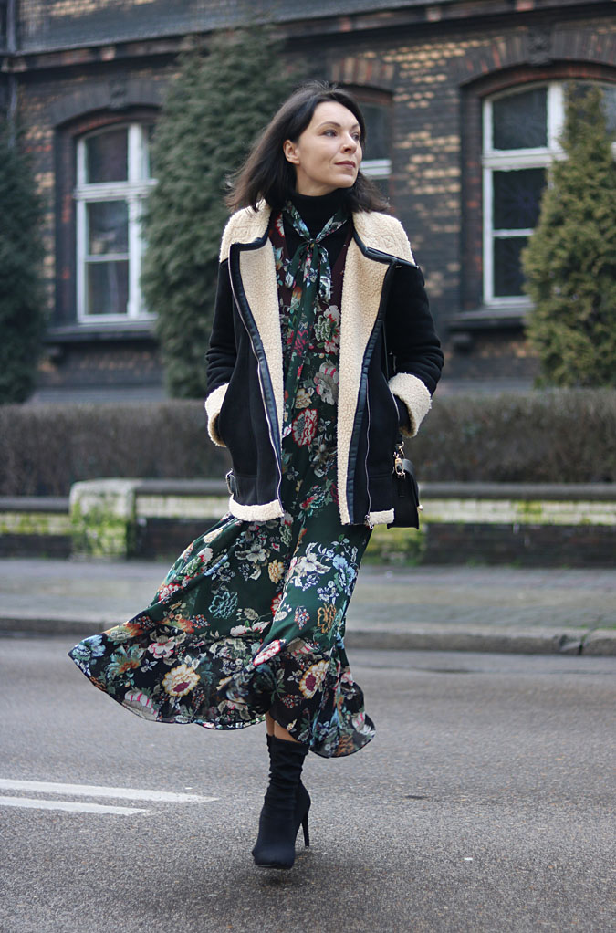 sukienka w kwiaty 2018 Zara