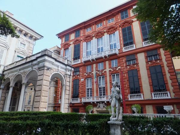 gênes genova via garibaldi strada nuove palazzi dei rolli palazzo rosso bianco jardins