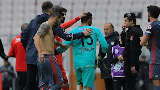 Beşiktaş'tan 9 gol yiyen kaleciden 8-0 tweeti!