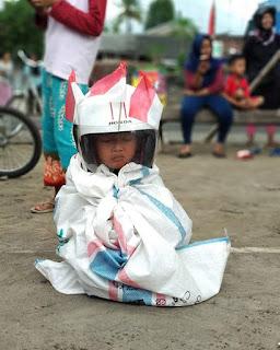 Lomba Balap Karung 17san Paling Lucu Se-indonesia
