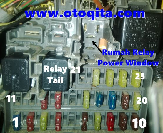 Gambar Letak Relay Power Window honda crv 2003