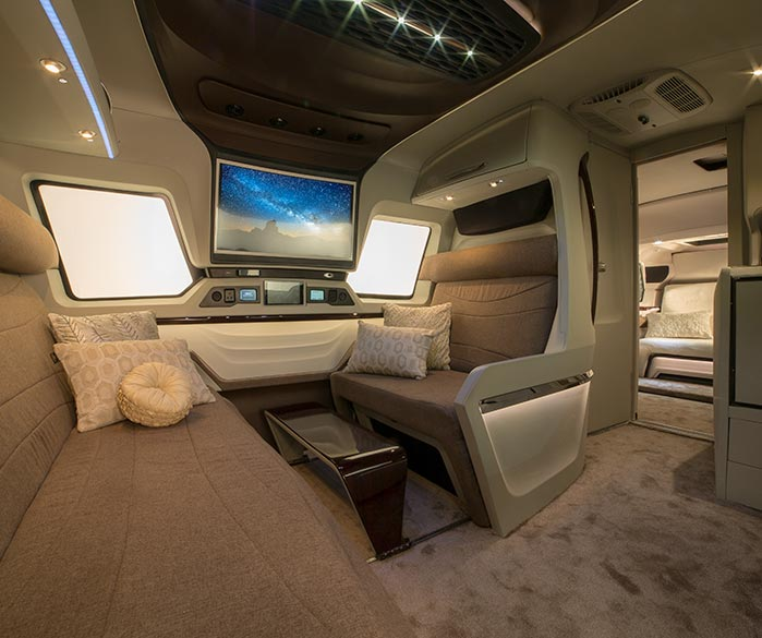 Nag On The Lake Luxury Rv Withl Jet Like Interiors