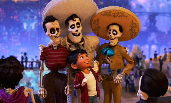 Ernesto de la Cruz (voiced by Benjamin Bratt, middle) in COCO (2017)