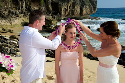 kauai wedding hair makeup natural look beach wedding