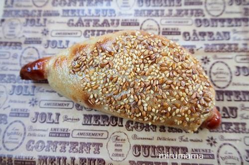 ソーセージ入りパン