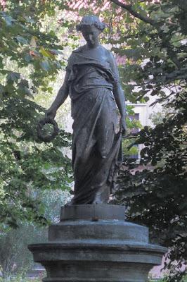 Estatua del parque del Muelle de Avilés