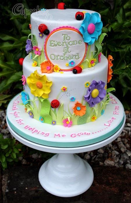 http://cakesdecor.com/cakes/81599