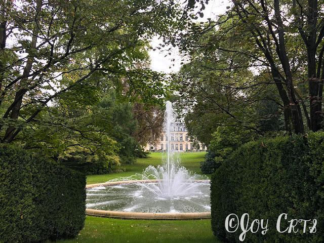 L'entrée des jardins de l'Elysée, Paris