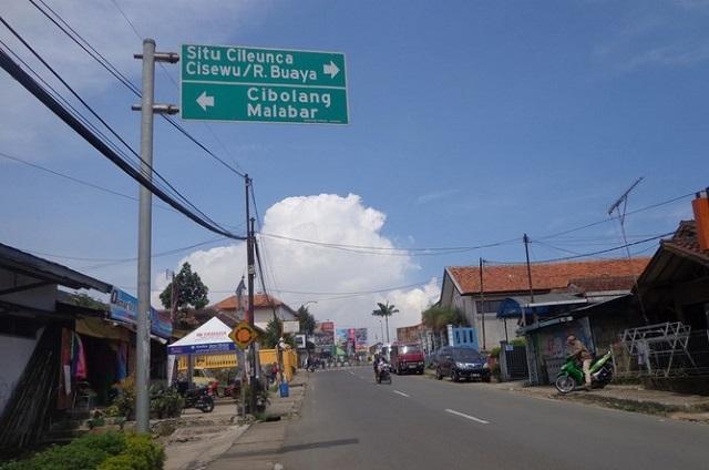 Akses jalan menuju situ Cukul Pangalengan