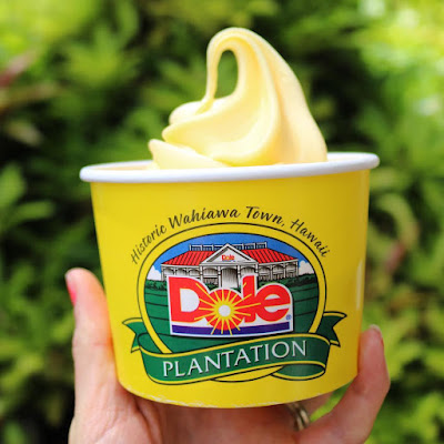 Foods You NEED To Try in Oahu Hawaii - Get a Dole Whip from The Dole Plantation