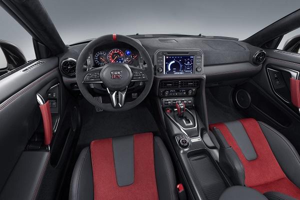 Nissan GT-R NISMO 2020 Interior