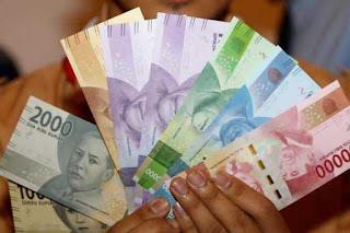 Kumpulan Arti Mimpi dikasih Uang Lengkap Menurut Primbon Jawa