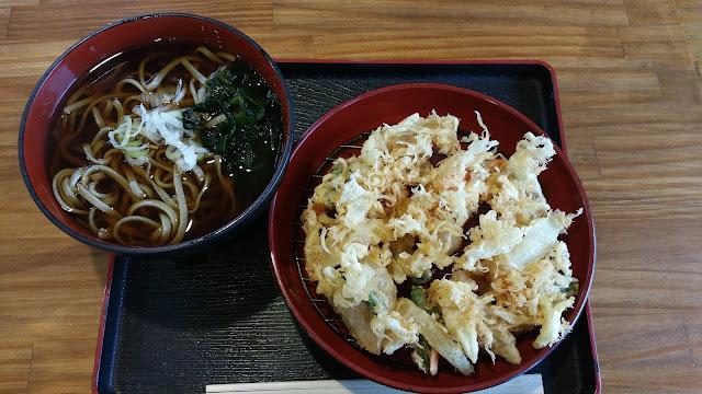 田舎天ぷらそば790円