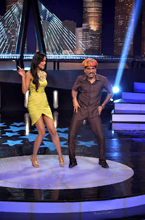 Esha Gupta on the sets of 'Laugh India Laugh' comedy show