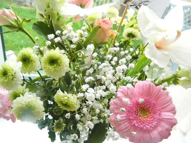 A photo of a bouquet of flowers by Prestige Flowers
