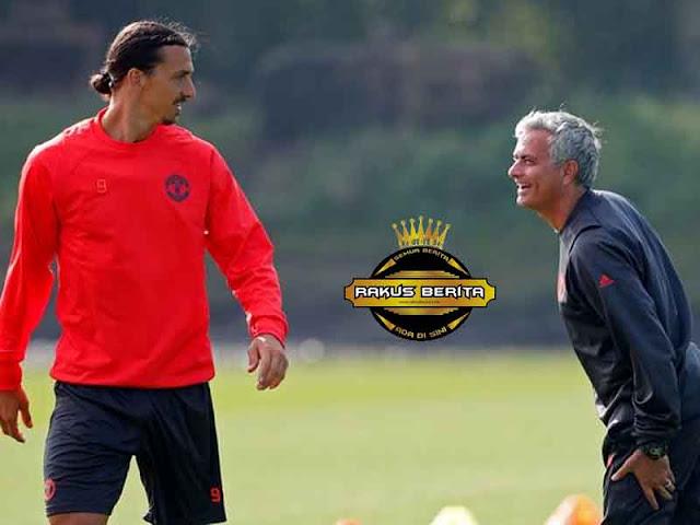 Mourinho Curahkan Hatinya Usai Ditinggal Ibrahimovic