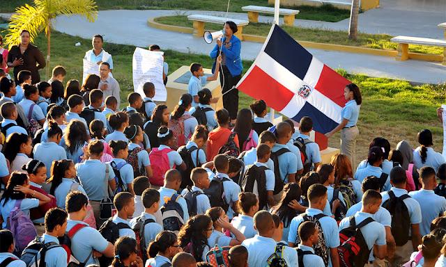 Resultado de imagen para inicio  año escolar en san  juan de la maguana