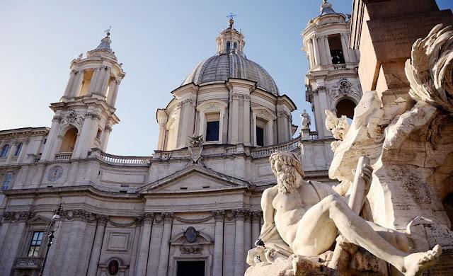 Sobre a Fontana dei Quattro Fiumi em Roma