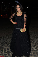 Sakshi Agarwal looks stunning in all black gown at 64th Jio Filmfare Awards South ~  Exclusive 027.JPG