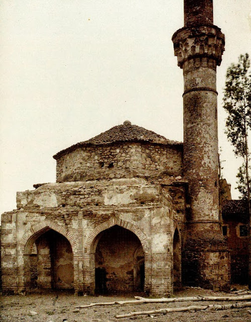 "The ""Broken Mosque"" in Bitola. Today, this mosque no longer exists. Bitola in 1913"