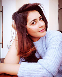 Rashi Khanna Biography, Movies List, Lesser Known Facts, Age