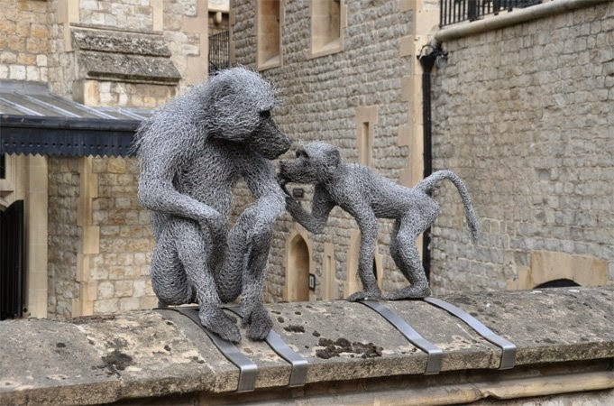 04-Baboons-Kendra-Haste-Galvanised-Wire-Animal-Sculptures-www-designstack-co