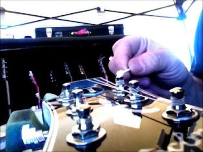 Cách làm đàn guitar sạch nhanh nhất