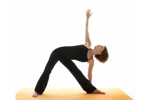 Trị gai cột sống hiệu quả chỉ 5 bài tập yoga